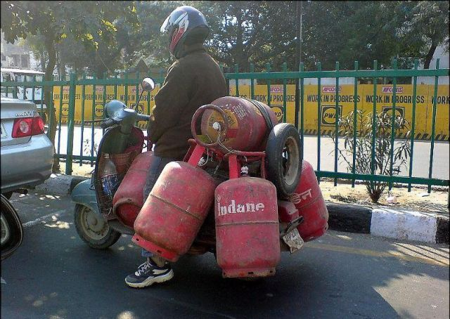 Safety at Work: Gas Cylinder Transport
